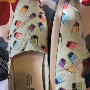 TOMS NWT 7.5 woman